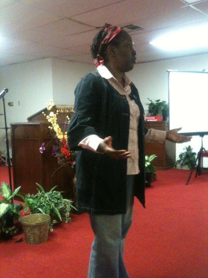 Anna Renee speaks at community meeting